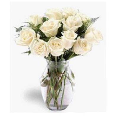 阿联酋Vase of 12 white roses